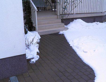 Grijanje pješačke staze i stepenica